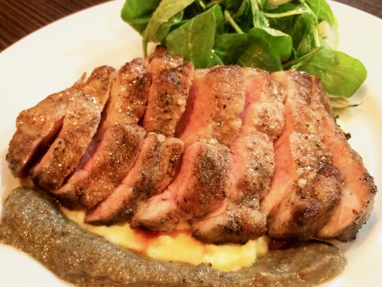 3位 栃木県産豚肩ロースのグリルランチ 1,000円 甘味があり、豚肉の旨みがつまった柔らかいお肉が200gで!