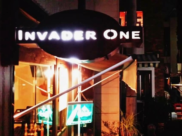INVADER ONE FLAT cafe